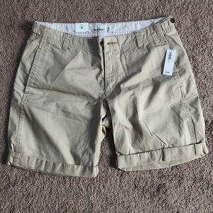 brand new khaki shorts